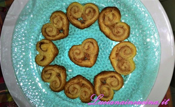 Cuoricini di pasta sfoglia, idea per San Valentino rapidissima!!!