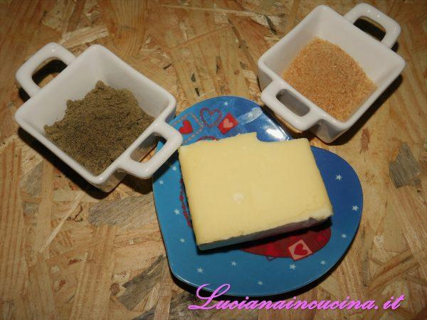 In un mixer mettere la farina di canapa, il burro morbido e lo zucchero grezzo.