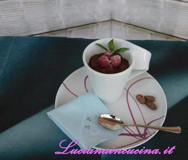 Mousse di cioccolato e lamponi