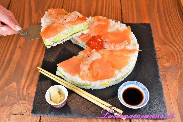 Una fetta ciascuno di torta, accompagnata dalla zuppa di miso e tofu, un po' di zenzero candito, la salsa di soia e sayonara a tutti :)