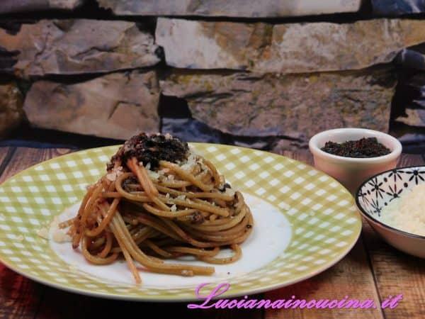 E' un piatto da gustare in compagnia di tanti amici, accompagnato da un buon vinello, magari dei Castelli Romani...