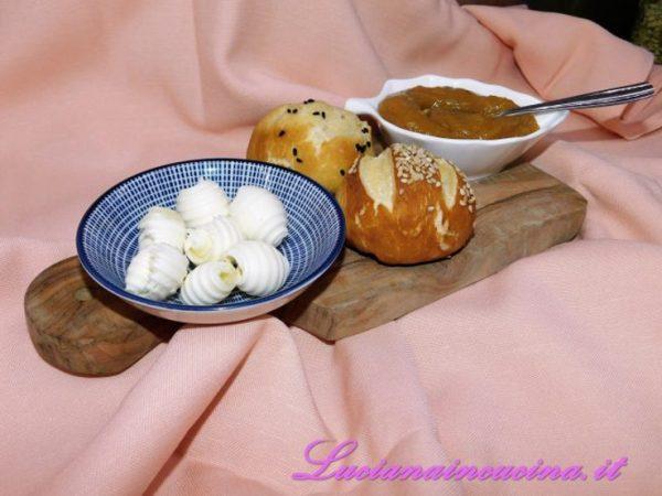 Pane, burro e marmellata. Cosa c'è di più coccoloso?