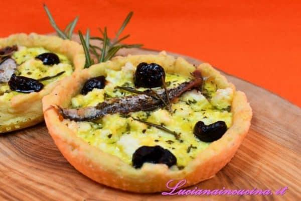 Tartellette ricotta e olive di Cracco