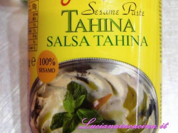 Aggiungere un cucchiaio di Tahina.