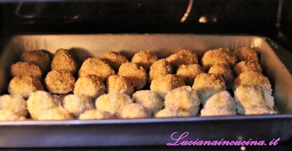 Cuocerle in forno a 180°C per circa 15 minuti.