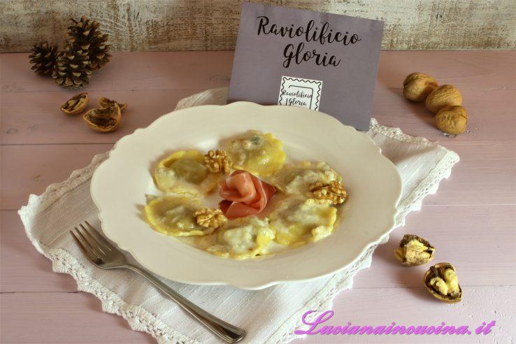 Ravioli speck e noci al Gorgonzola logo