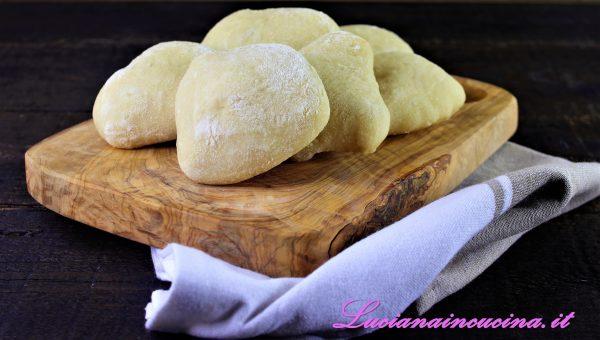 Pane arabo con esubero di lievito madre