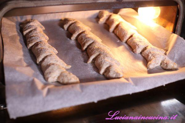 Cuocere in forno ventilato a 230°C per 20 minuti.