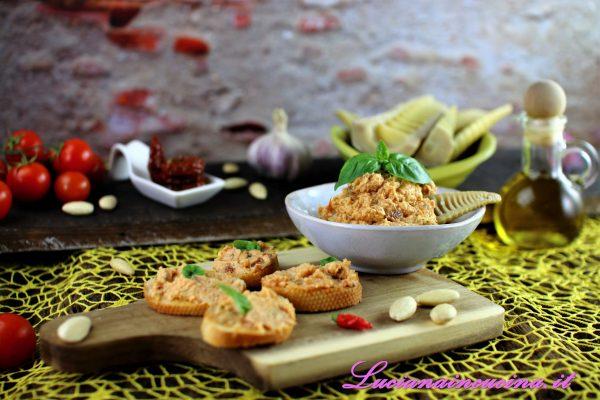 Pesto alla siciliana con mandorle