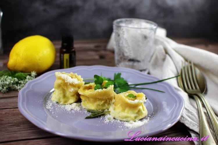 ravioli al limone e ricotta